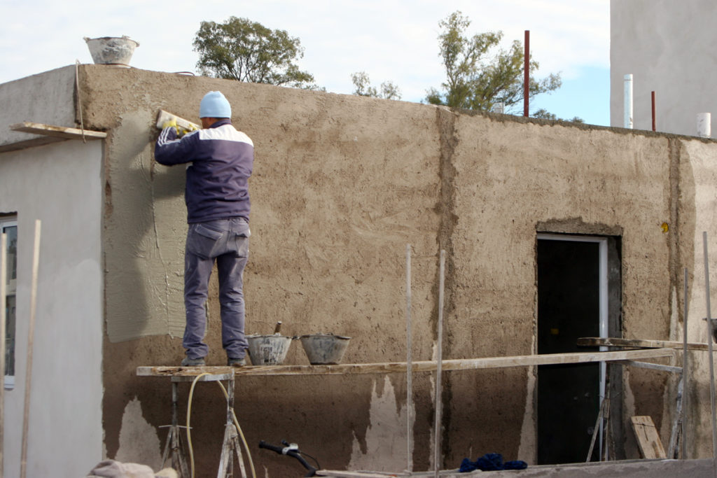 El Intendente De Arroyito Mauricio Cravero Recorrio El Predio Donde Se Construyen Las 26 Nuevas Unidades Habitacionales Del Plan Casa Y Plan Casa Social