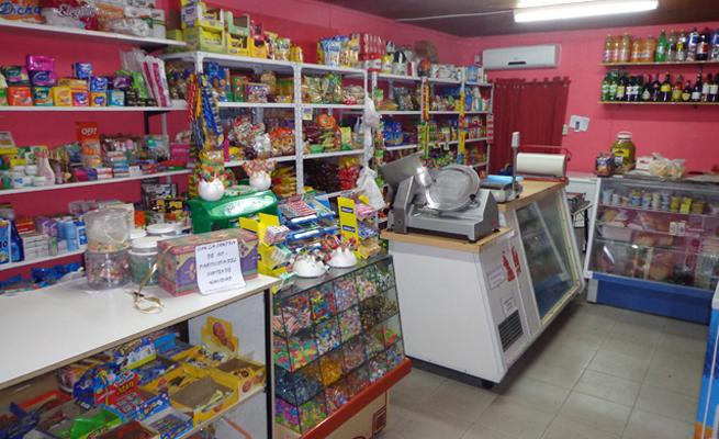 Balnearia: Comercios de cercanía piden poder atender una hora más que los supermercados